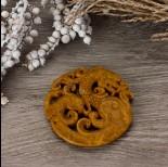 Zdjęcie - Antyczna rzeźbiona zawieszka z jadeitu piaskowa 65-75mm
