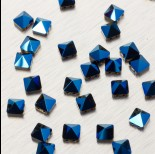 Zdjęcie - 5061 Square spike bead metallic blue 7.5mm