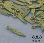 Zdjęcie - Zawieszka piórko w złotym kolorze z patyną 25x4.5 mm