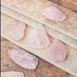 Zdjęcie - Kryształ górski zawieszka nieregularna różowa 62x36mm