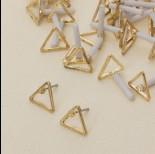 Zdjęcie - Kolczyki trójkąty wycięte 10 mm