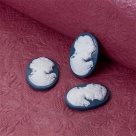 Zdjęcie - Kaboszon akrylowy kamea z damą niebiesko biała 24x18mm