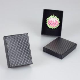 Zdjęcie - Czarne pudełko w kwadraciki 7x9cm