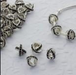 Zdjęcie - Koralik w srebrnym kolorze z kryształkami jet krzyż 5mm
